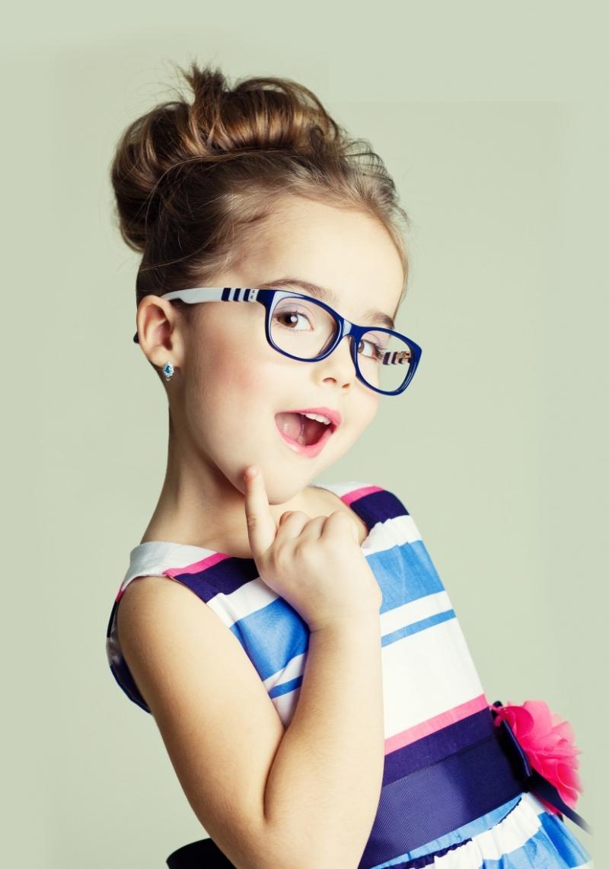 Детские солнцезащитные очки. Как правильно подобрать первую пару очков Вашему малышу